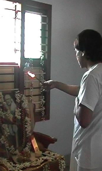 Guruji offering agarbhati1251.jpg