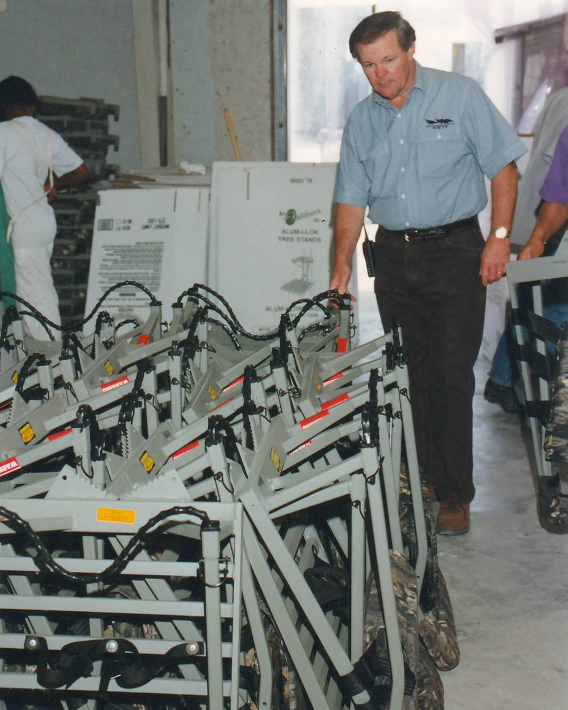 PAUL MEEKS INSPECTS INVENTORY AT TALLULAH, LA WAREHOUSE