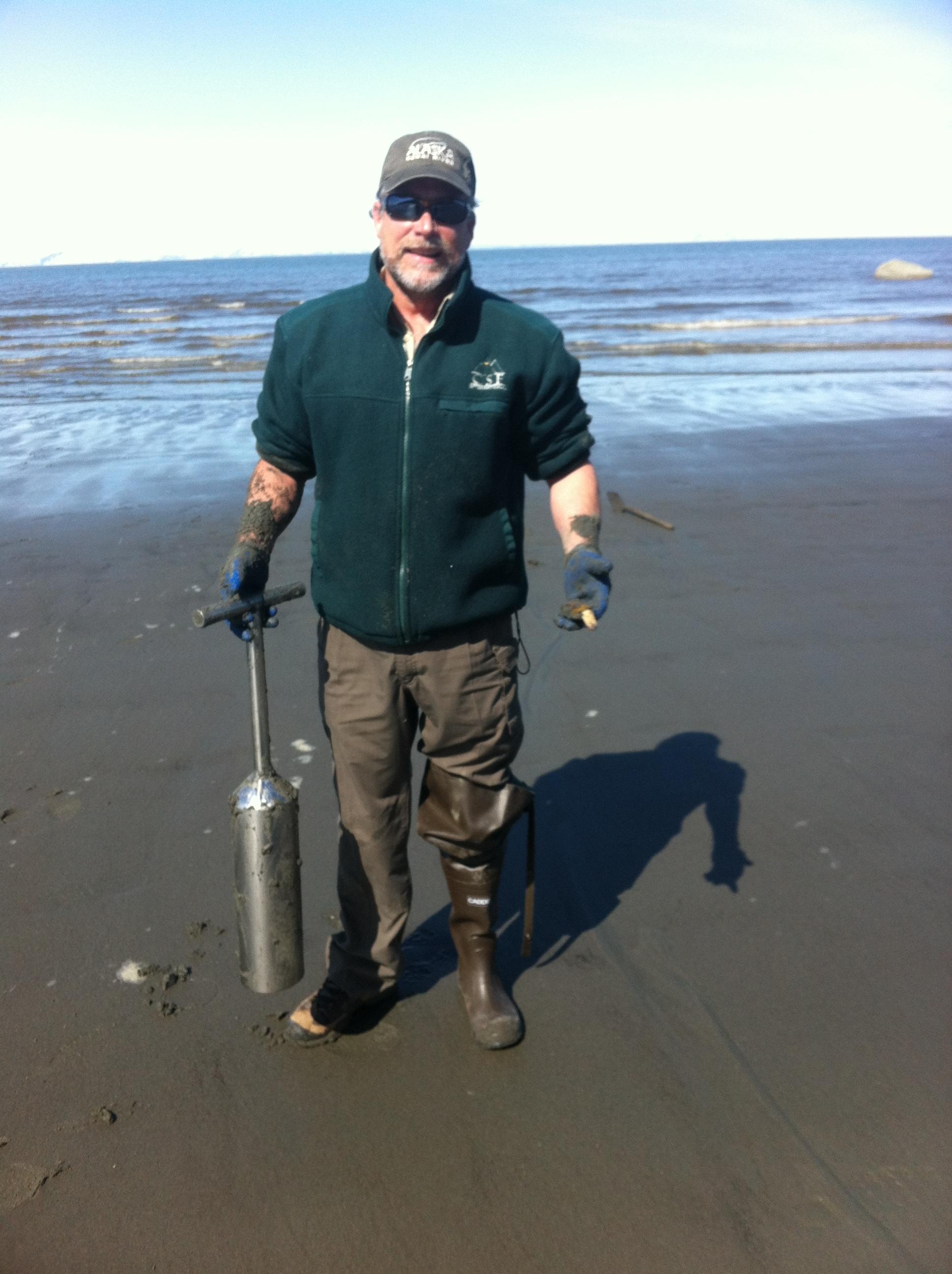 Deep Creek on the Shore using a Shotgun Shovel for digging Razor Clams - AK
