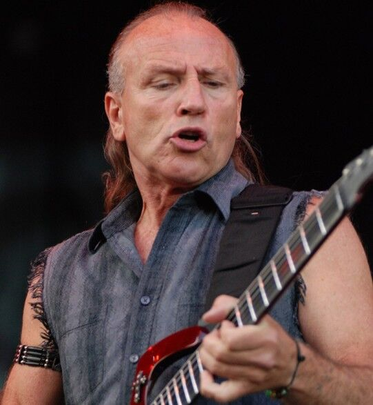 Mark Farner with his legendary lead guitar