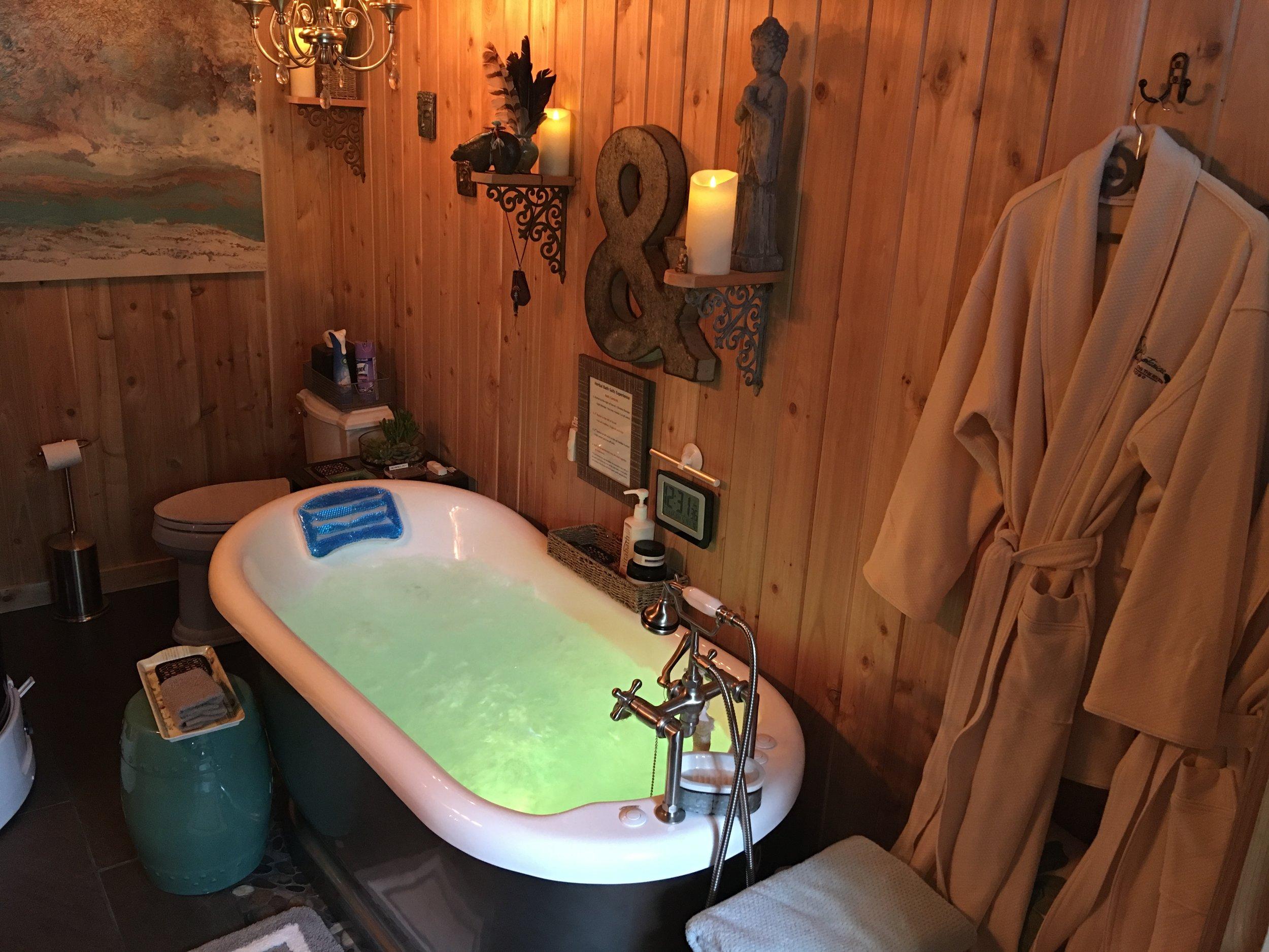 Tub Room.JPG