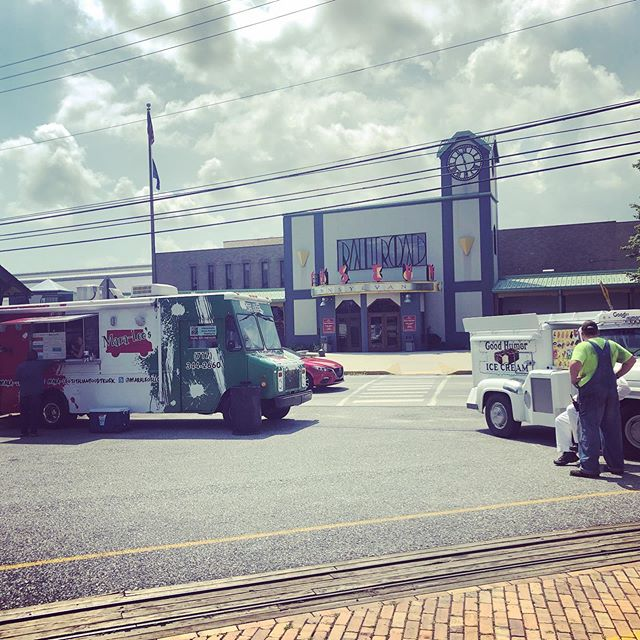 Just opened up! At the @strasburgrailroad for lunch today 11-2pm! Come eat with us today! #foodtruck #foodtrucklunch #italianfood #strasburg #railroad