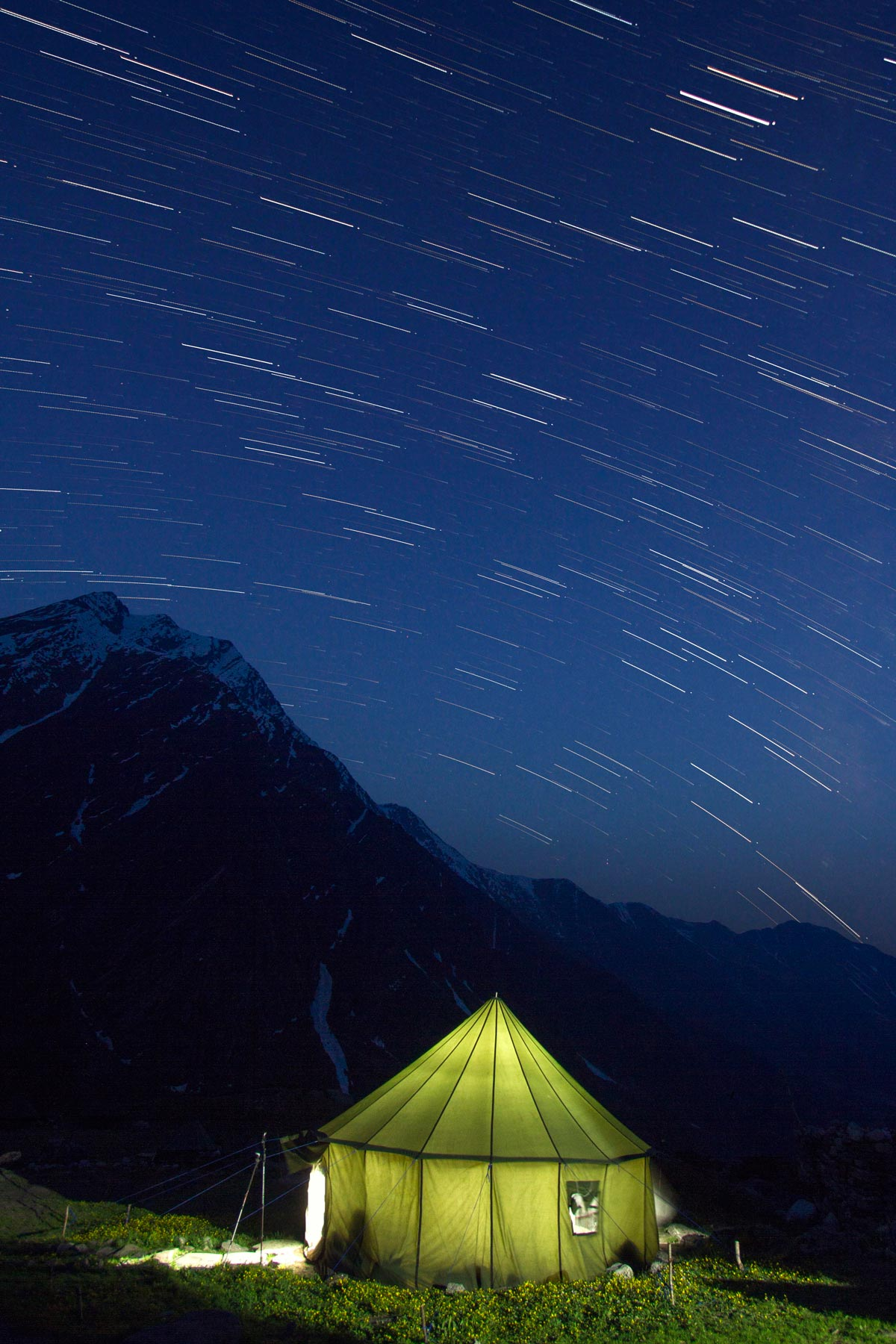 20.The-very-few-moments-when-the-stars-and-tent-lights-brightened-up-our-night,-simultaneously.jpg