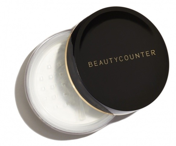 MATTIFYING POWDER  This featherweight, utterly translucent powder is the ultimate complexion perfector, no matter what your skin type. It invisibly minimizes pores and fine lines, absorbs shine, and sets makeup. Wear it over tinted moisturizer, foundation, or even just bare skin for a silky-smooth, refined finish. It works for every skin tone, as there's no tint—just beautifully even, natural-looking skin