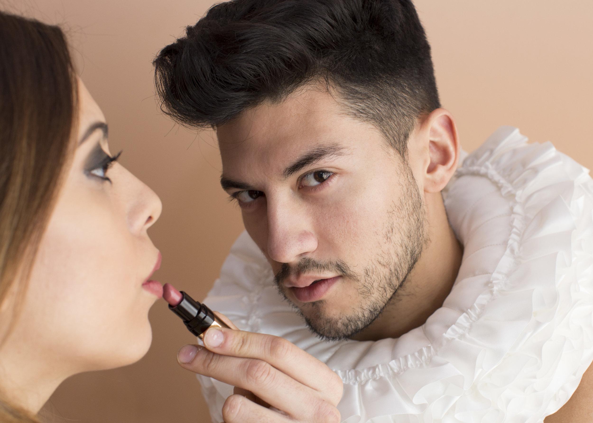 collar lipstick.jpg