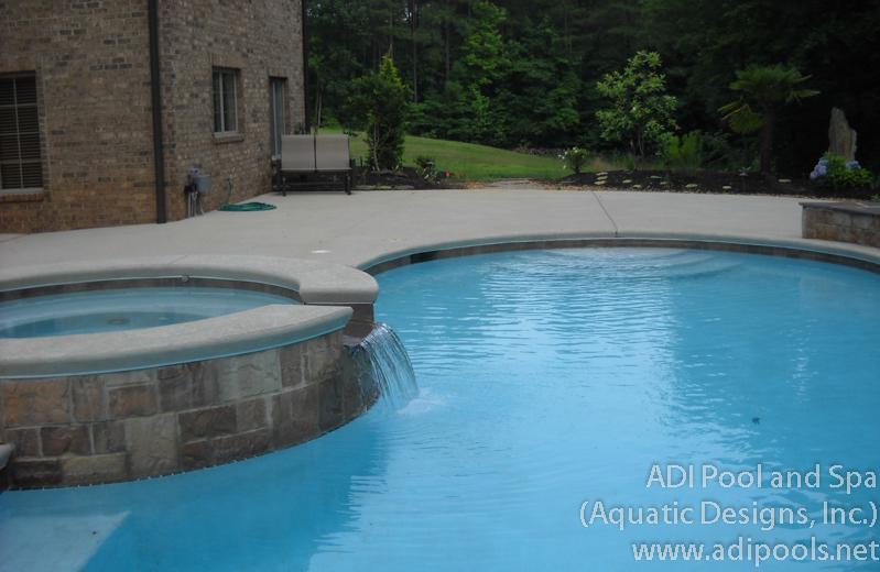 7-pool-and-spa.jpg