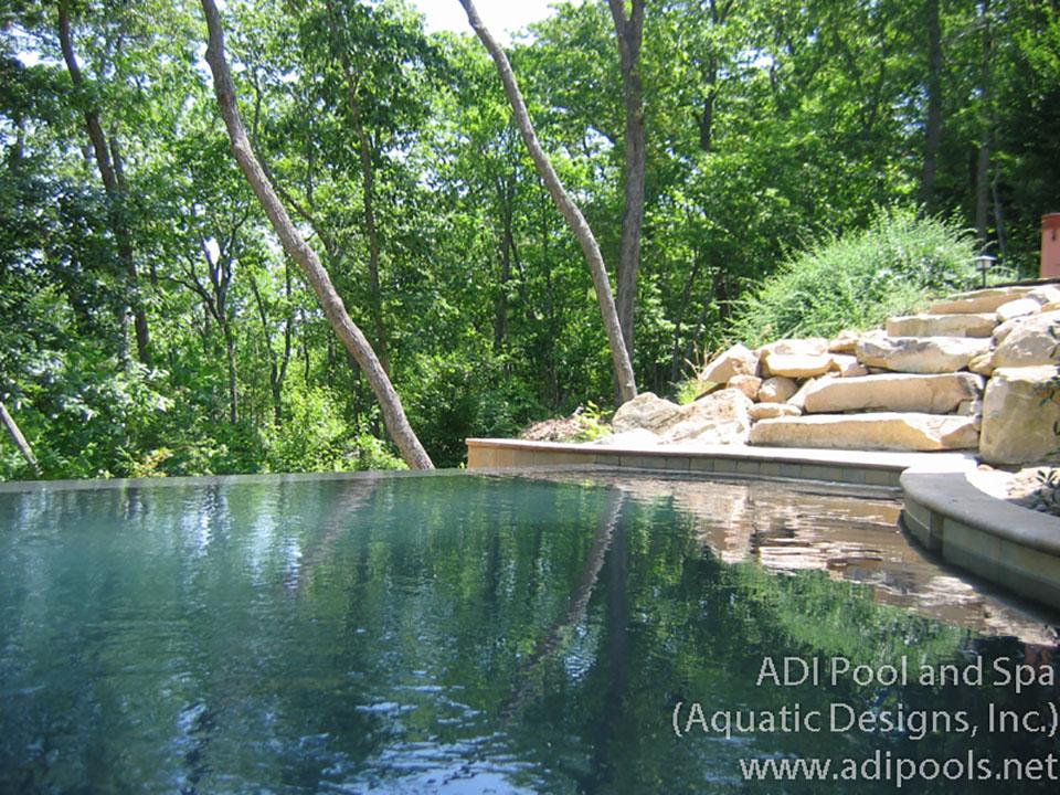 6-pool-with-vanishing-edge-and-stone-steps.jpg
