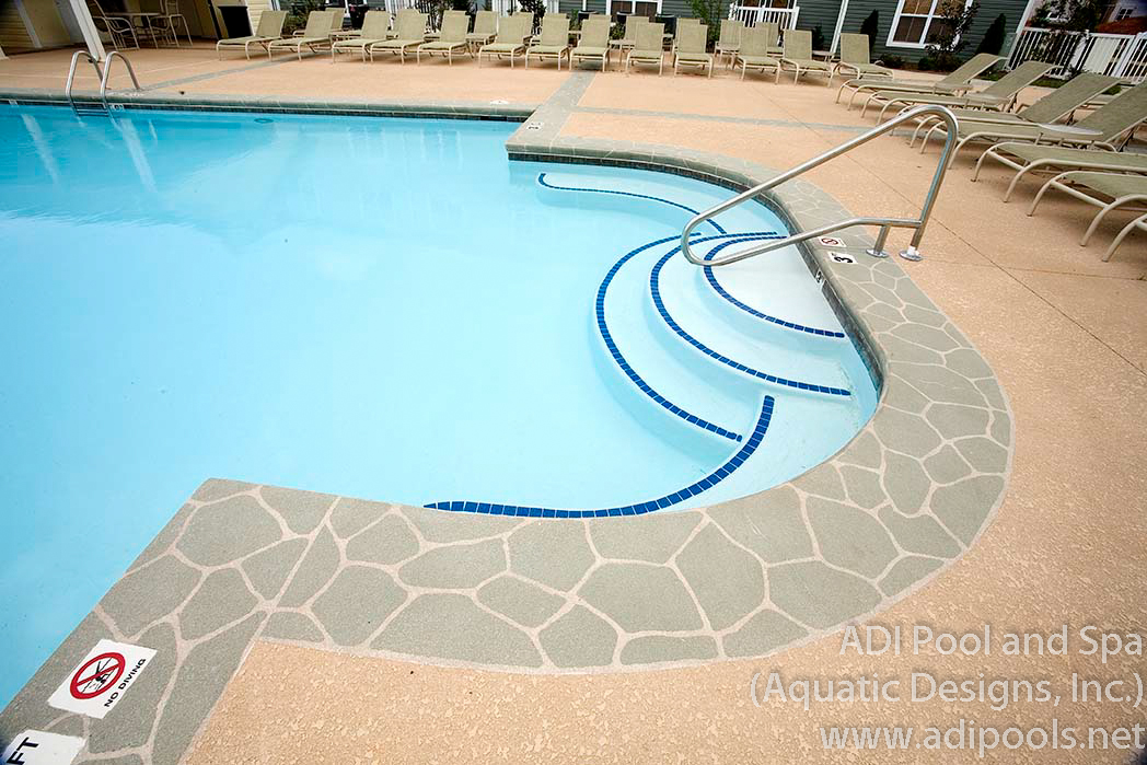 5-community-pool-with-bench-area.jpg