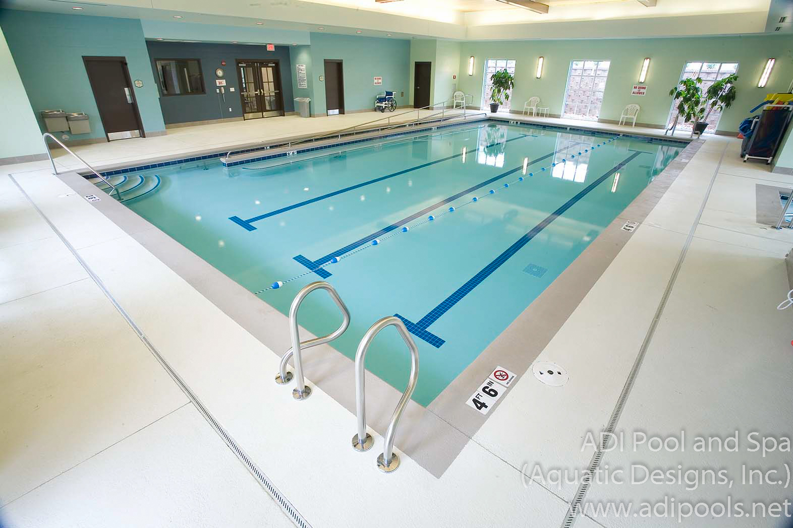 9-therapy-pool-with-lap-lanes.jpg