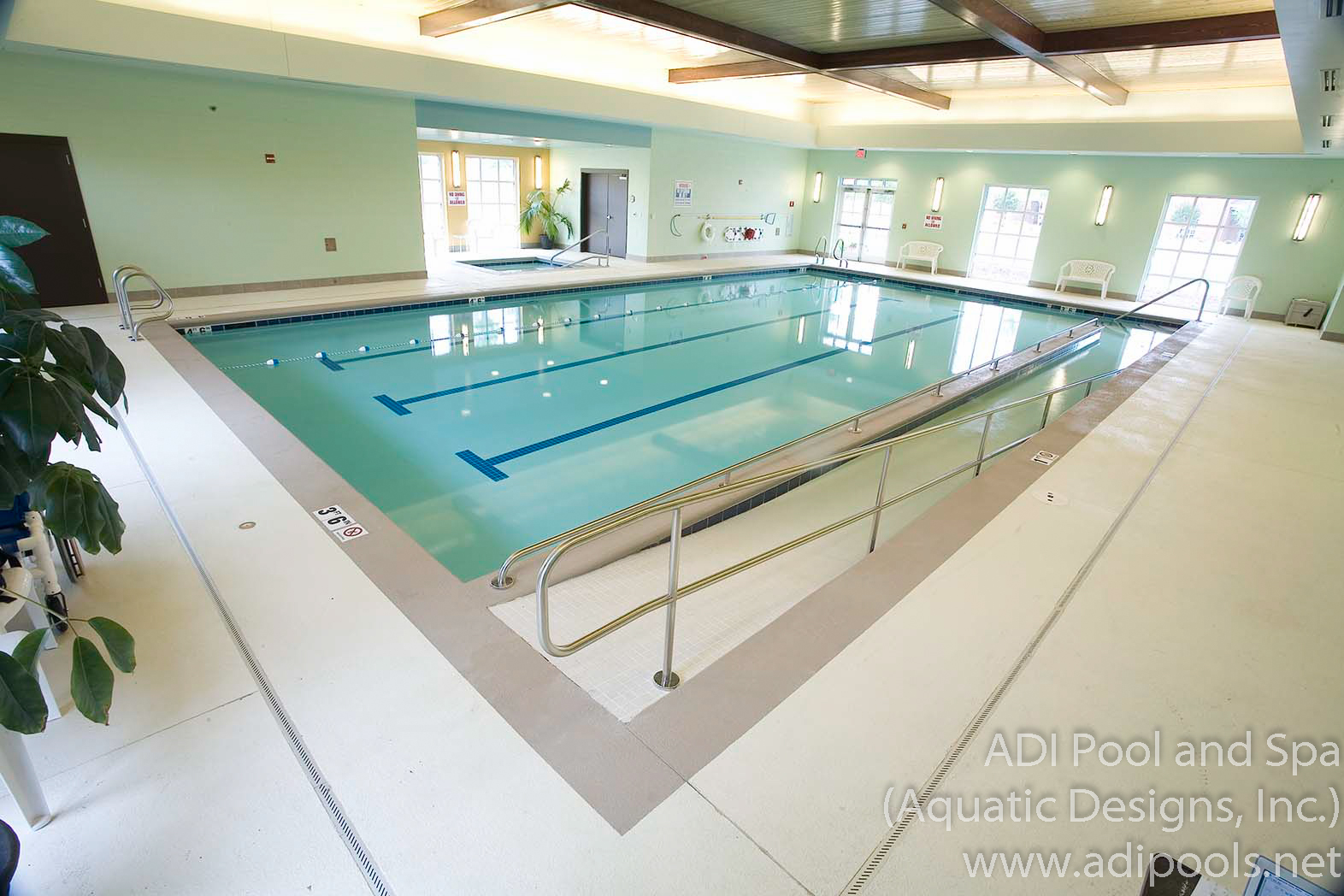 10-therapy-pool-with-ramp.jpg