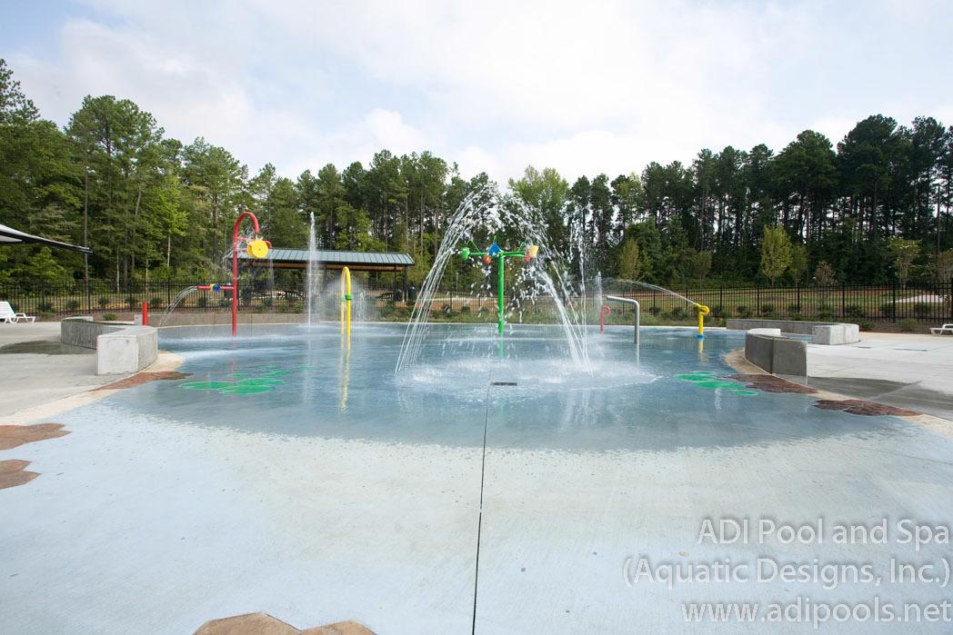 16-kids-water-play-at-city-park.jpg