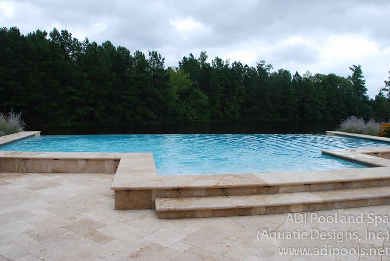 8-pool-and-spa.jpg
