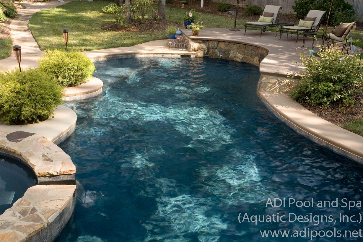 8-gunite-pool-with-raised-wall.jpg