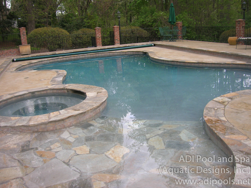 1-beach-entry-pool-with-automatic-cover.jpg
