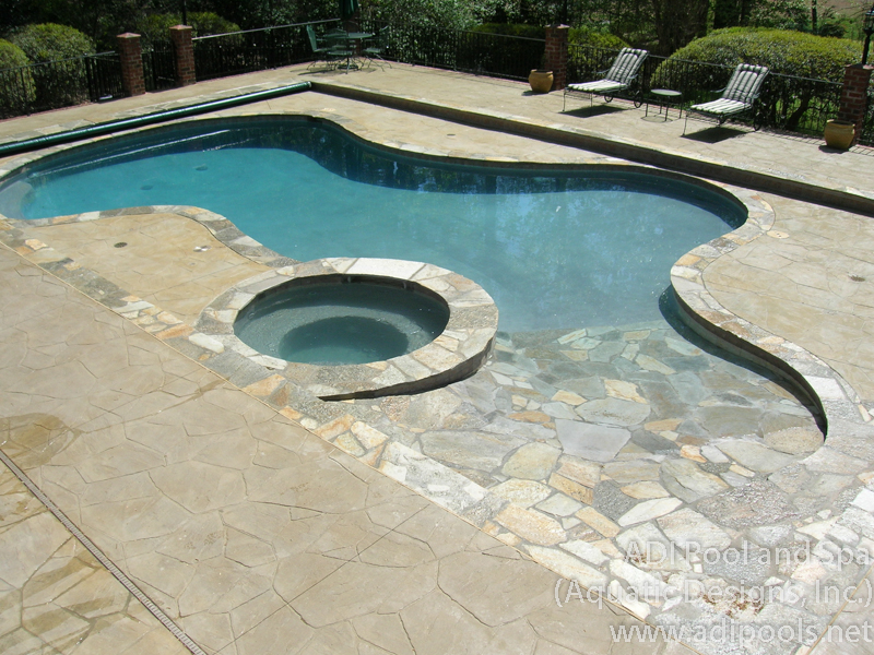 8-swimming-pool-with-automatic-cover.jpg