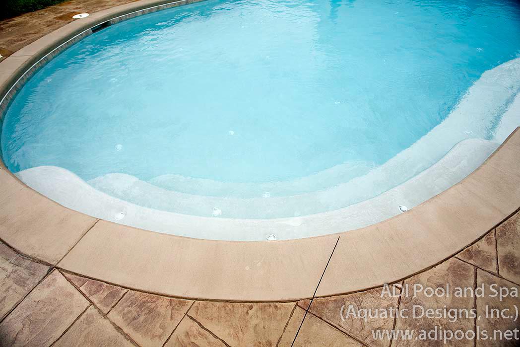 2-custom-underwater-steps-at-swimming-pool.jpg