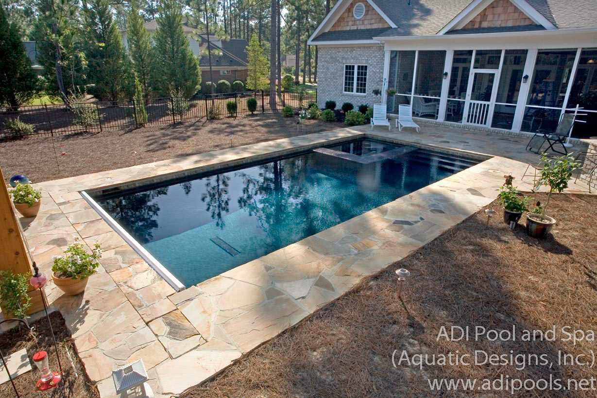 9-pool-spa-combination-with-automatic-cover.jpg