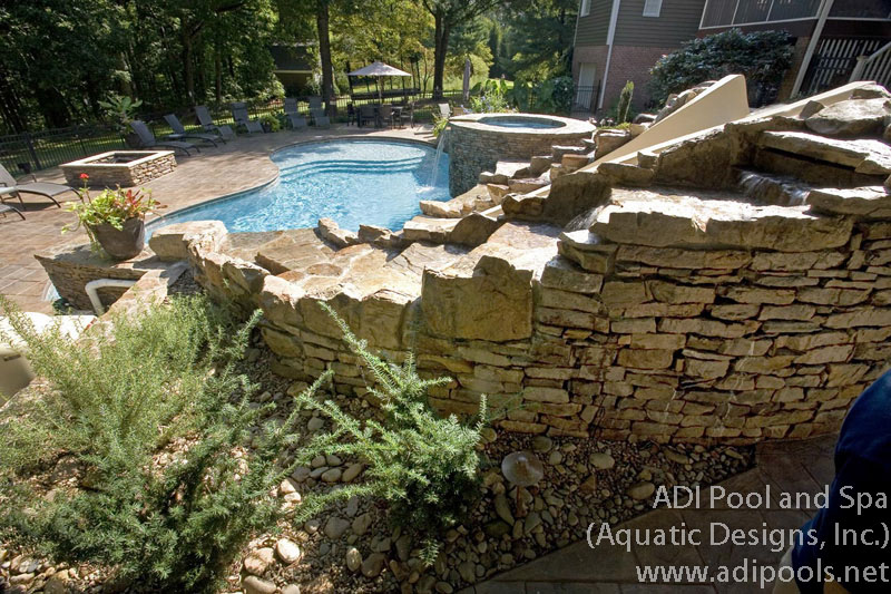 swimming-pool-and-spa-with-thermal-ledge.jpg