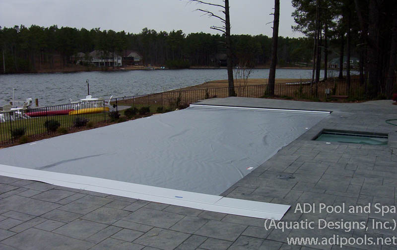 vanishing-edge-pool-with-automatic-cover.jpg