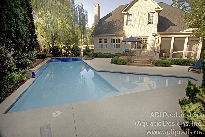 geometric-pool-thermal-edge.jpg