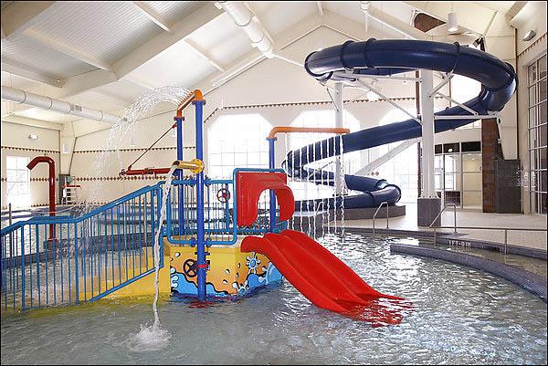 play-features-at-indoor-aquatic-center.jpg