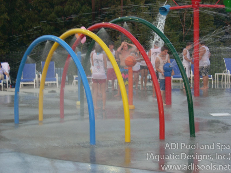 splash-pad-with-dumping-buckets-and-water-tunnel.jpg