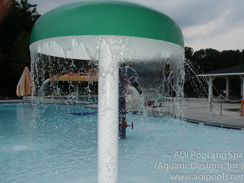 umbrella-water-feature-on-swimming-pool.jpg