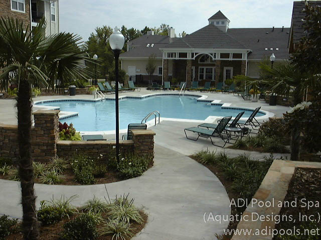 commercial-pool-with-precast-coping.jpg