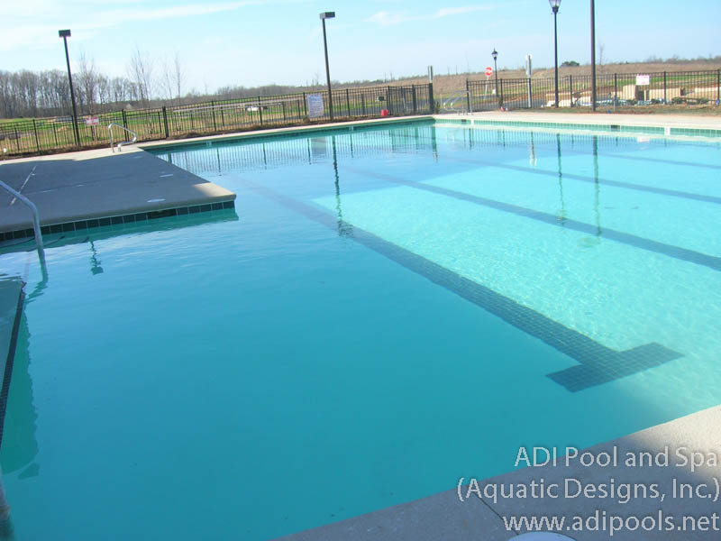housing-community-pool_0.jpg
