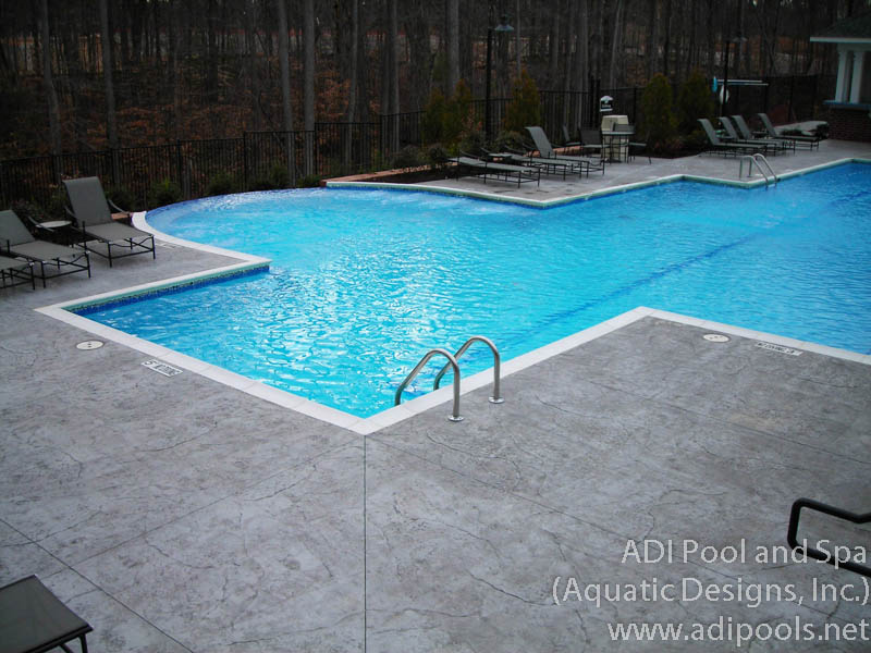 infinity-edge-pool-with-precast-coping.jpg