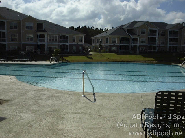 vanishing-edge-commercial-pool.jpg