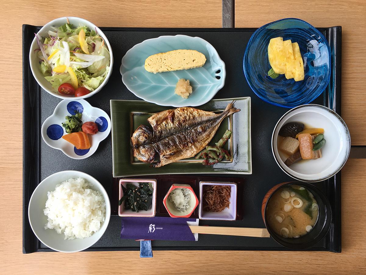 Okinawa_Food_1200px.jpg