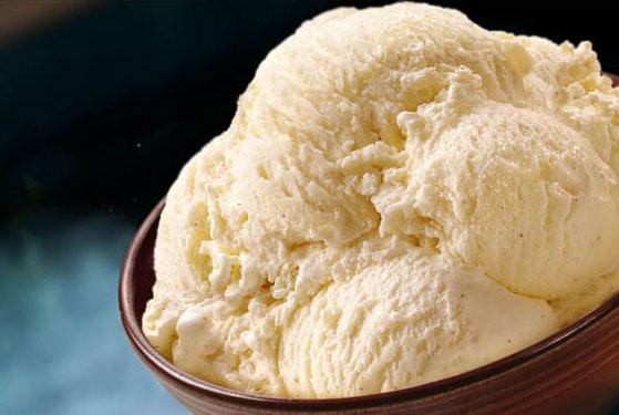 Michaeal-Wepplo-Photography-Vanilla-Ice-Cream.jpg