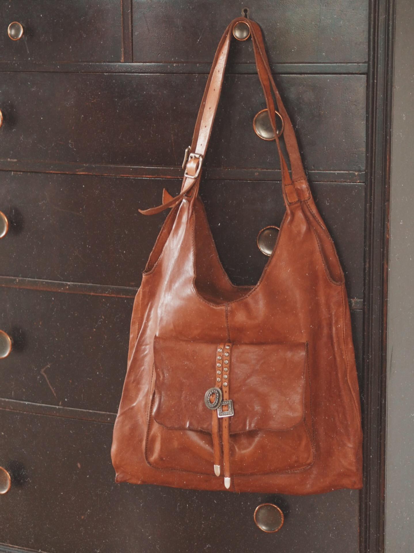capusle wardrobe purse