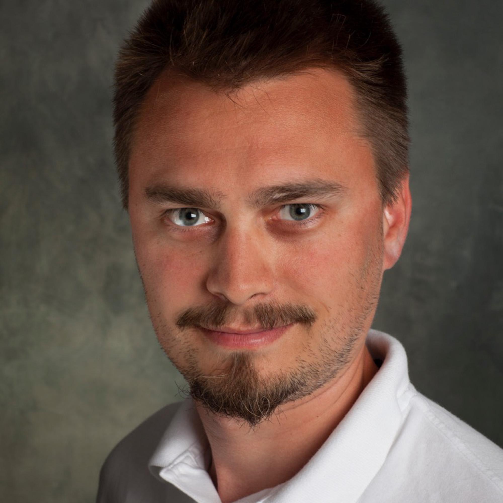 """<a href=""""https://www.linkedin.com/in/radubogdanrusu"""" target=""""_blank""""><i>Radu Rusu</i></a><br><font size=""""-1"""">Co-Founder & CEO</font><br><b> Fyusion, Inc </b>"""