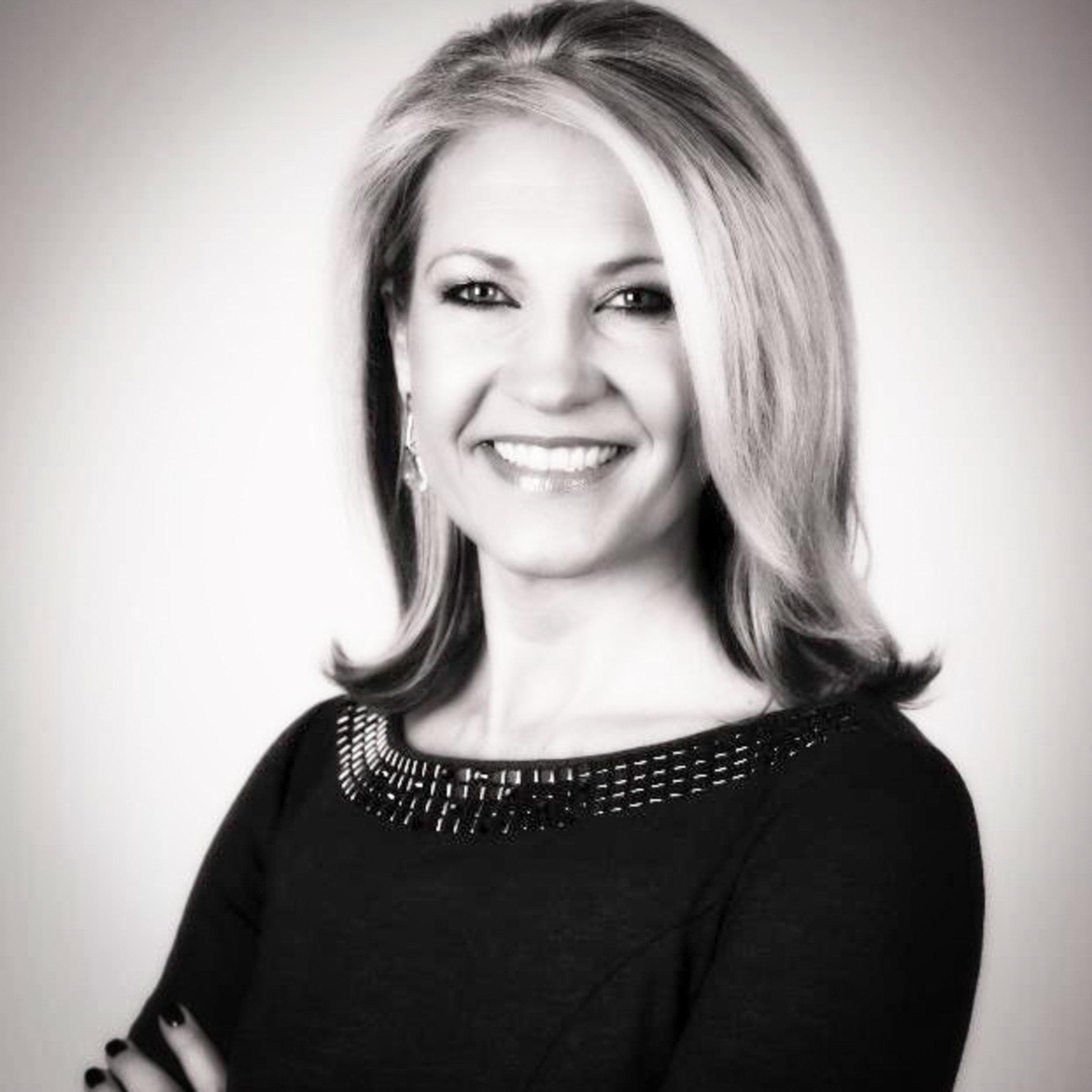 """Copy of <i>Jenni Flinders</i><br><a href=""""https://winningfotos.com"""" target=""""_blank""""><b>Winning Fotos</b></a>"""