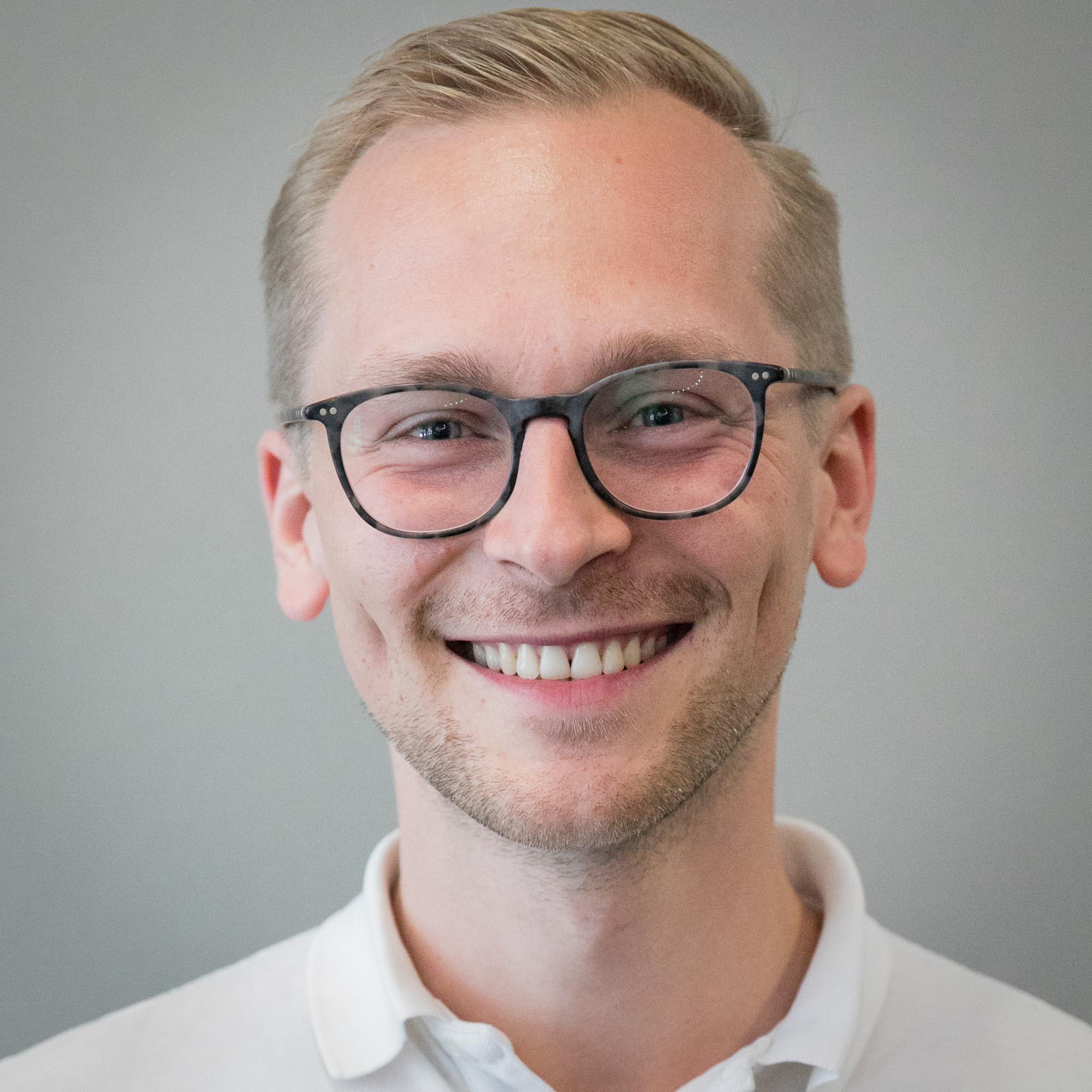 Dimitri Gärtner    Framen