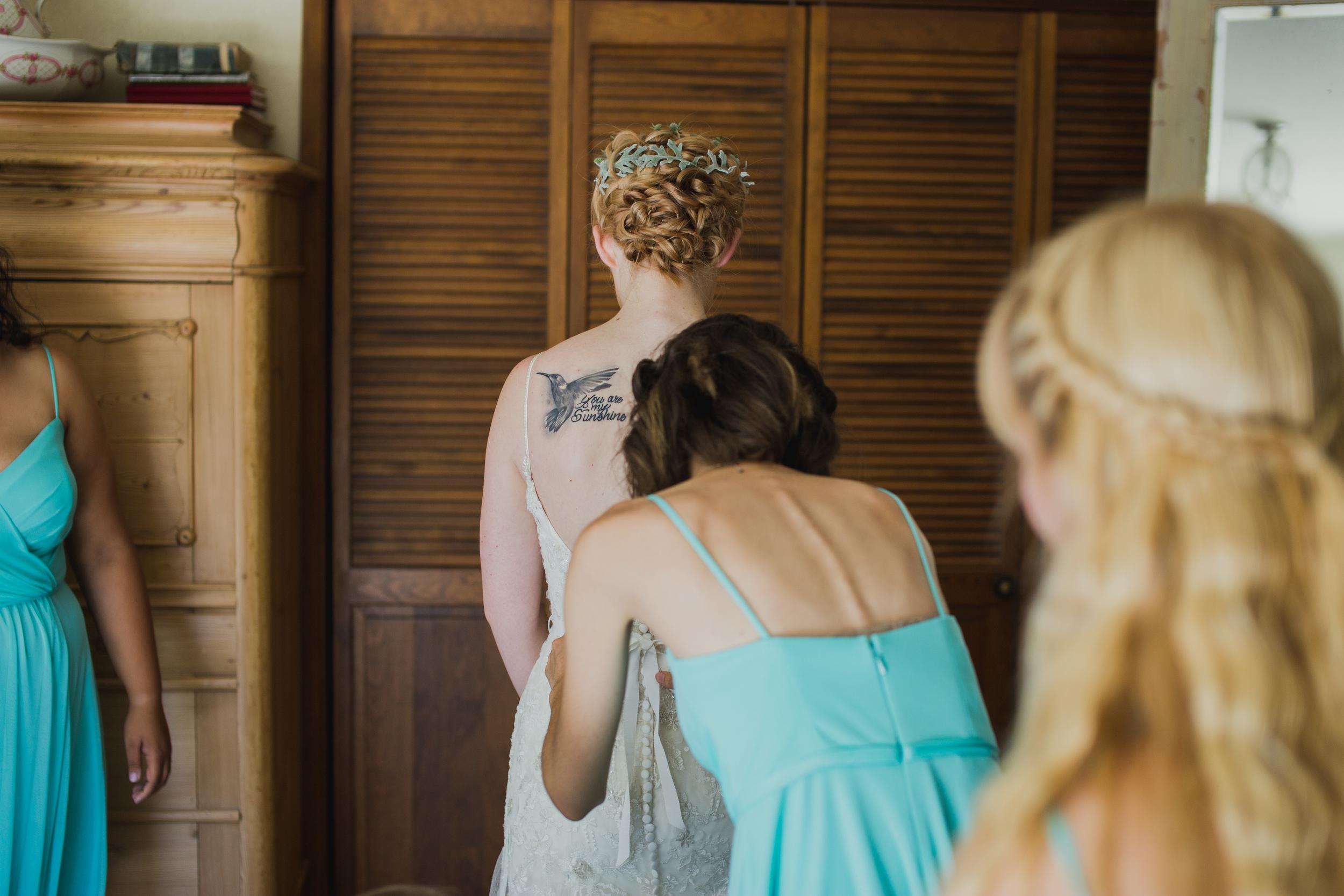 BrideGettingReady-2-7.jpg