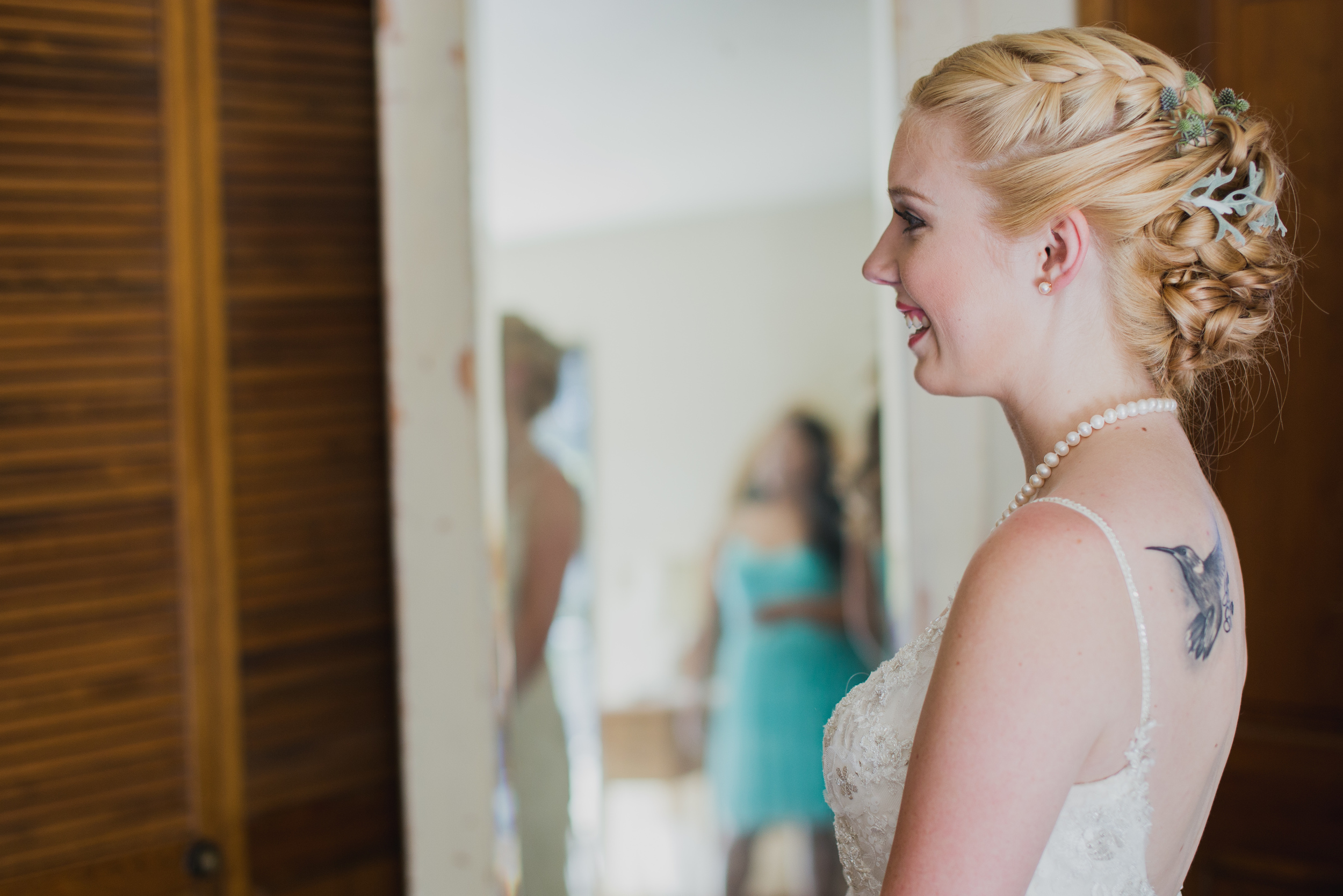 BrideGettingReady-2-35.jpg