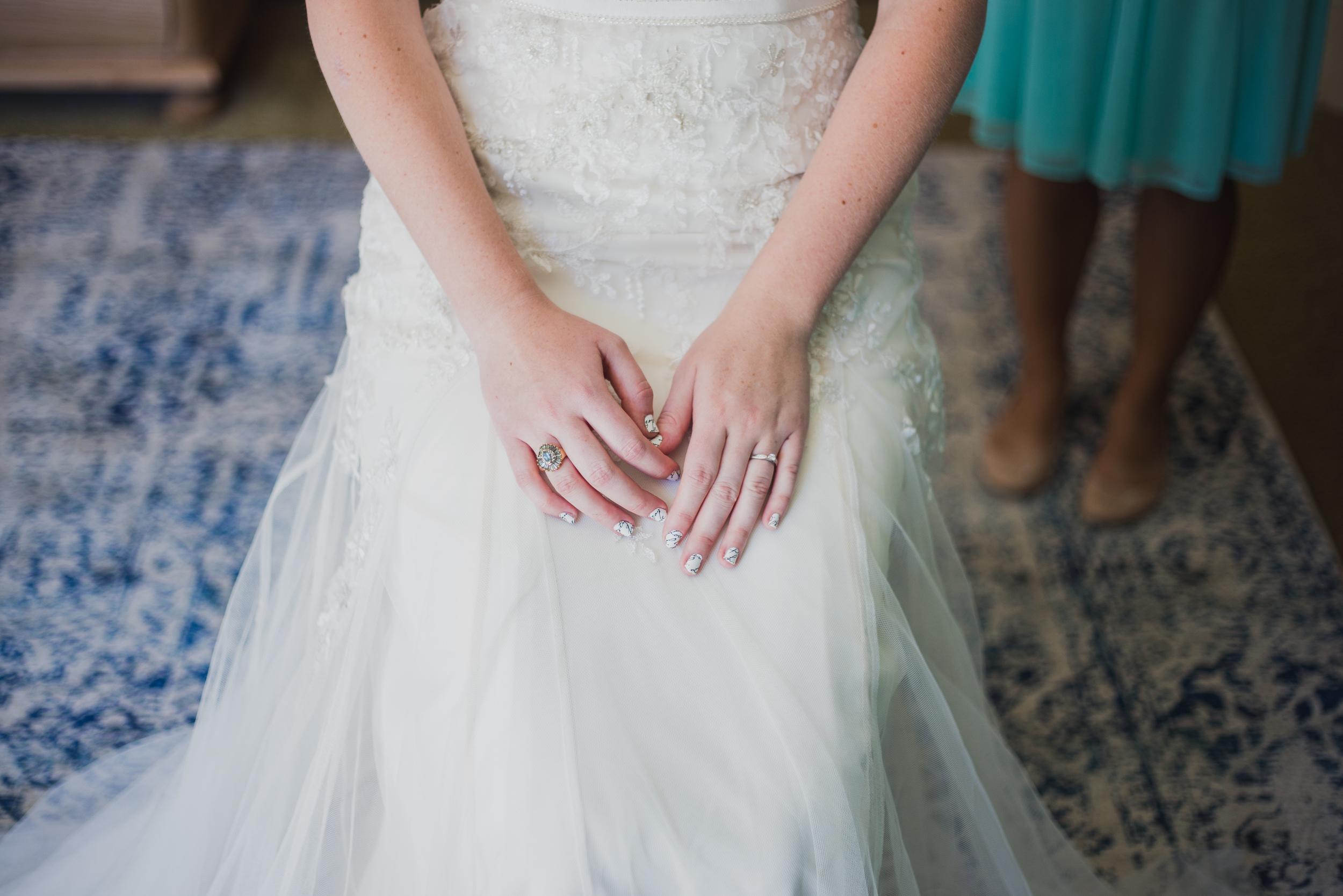 BrideGettingReady-5189.jpg