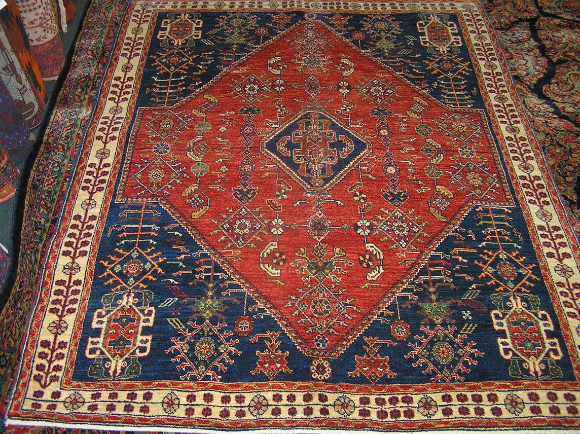 "#25a) Beautiful 5'1"" x 6'6"" Persian Qashqai rug."