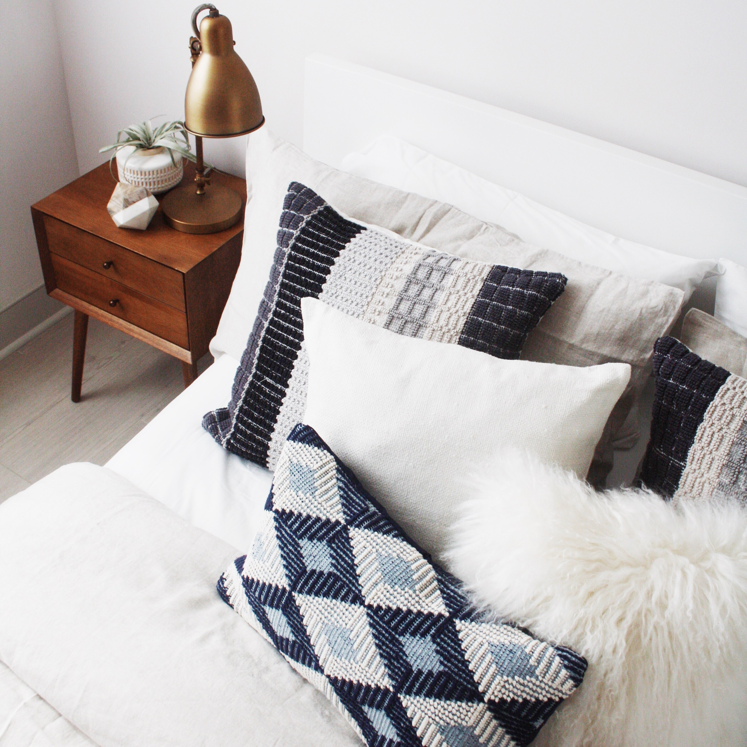 west elm bed styling - the habitat collective - www.thehabco.com
