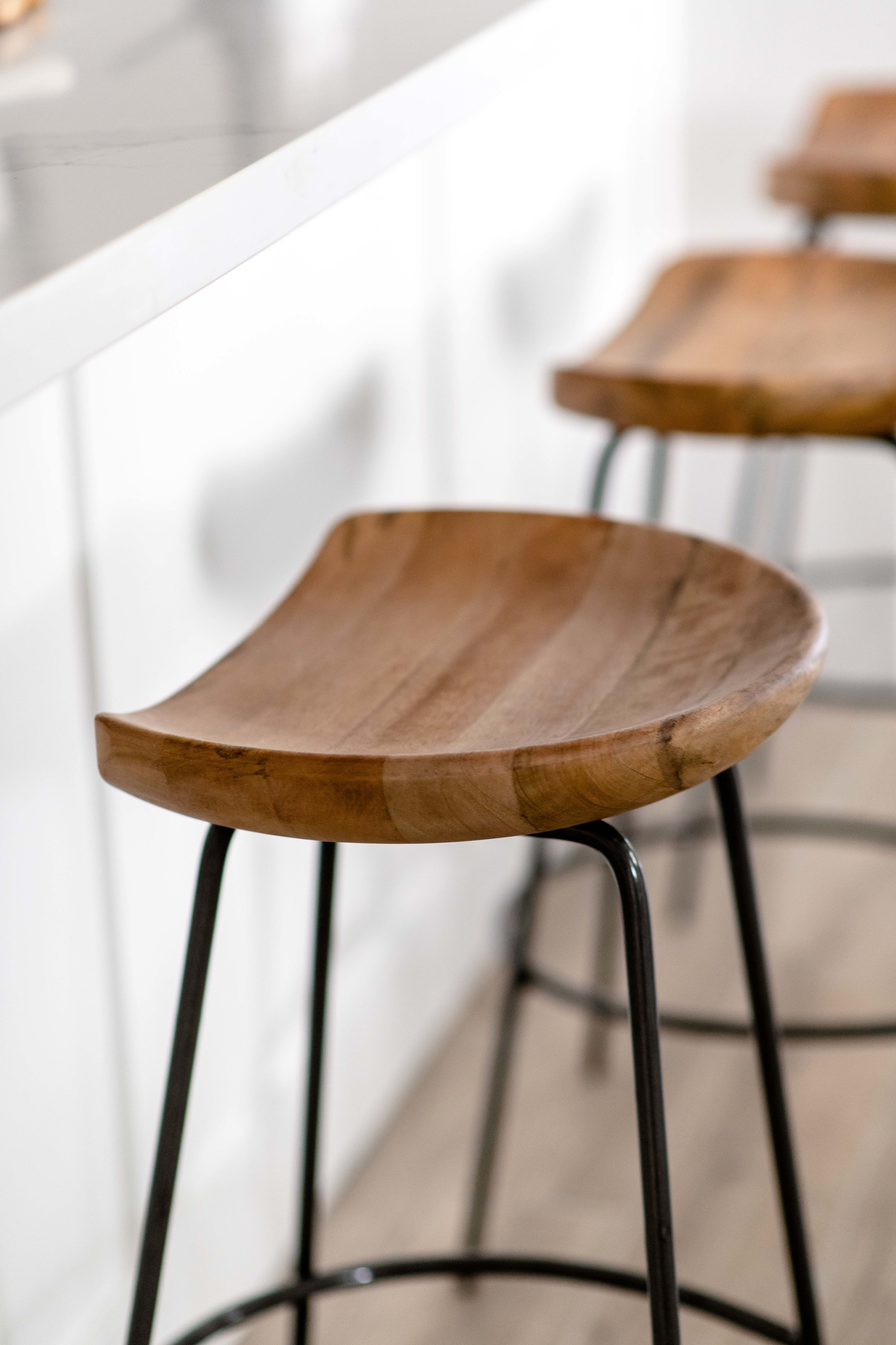 wood and metal barstools - the habitat collective interior design - #projectpeachy