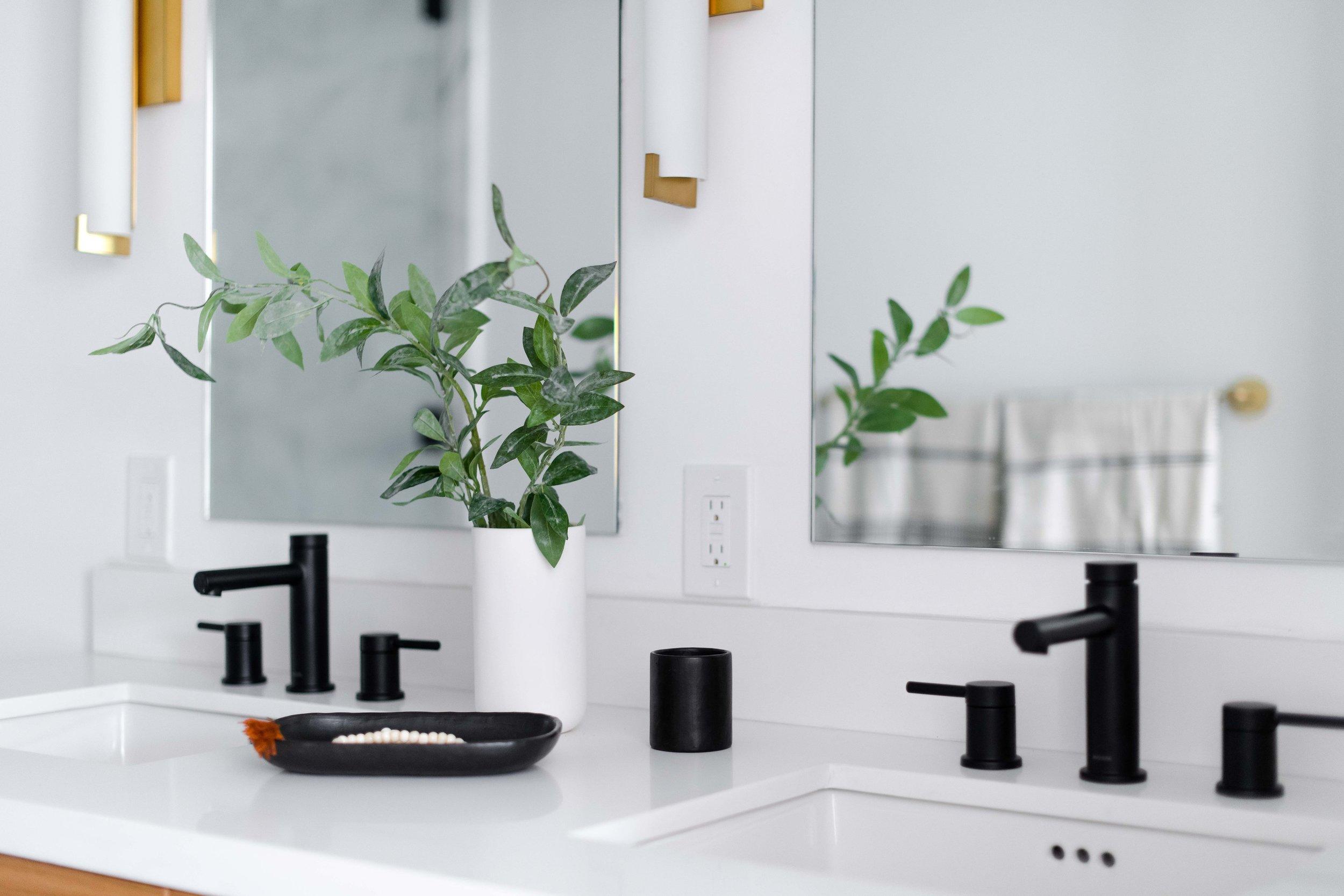 black bathroom faucets - the habitat collective interior design - #projectpeachy