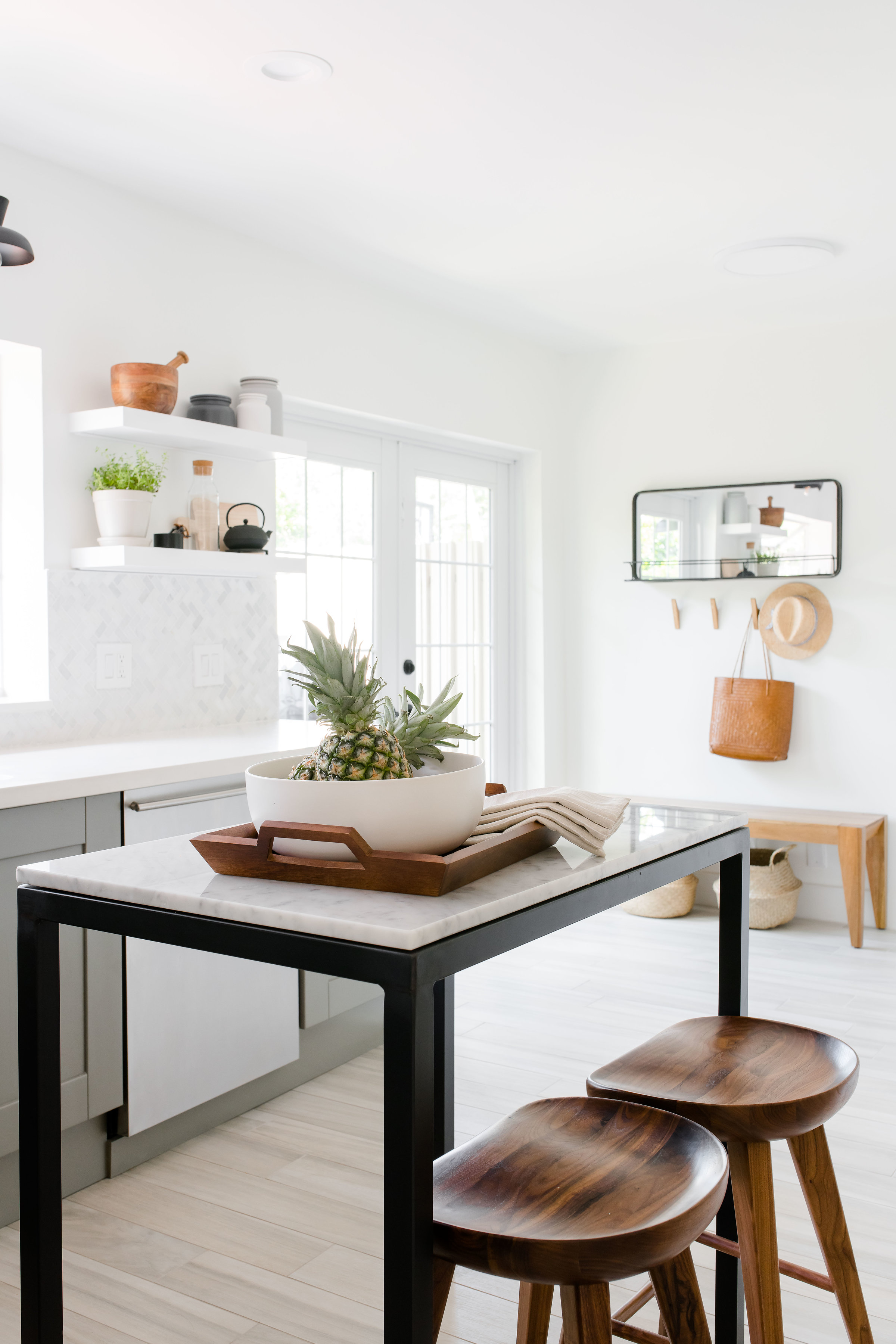 freestanding marble kitchen island - the habitat collective - project casinha linda