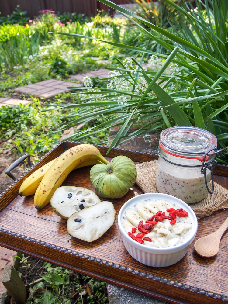 Cherimoya Overnight Oats | vermilionroots.com. Give this exotic fruit a try in your breakfast!