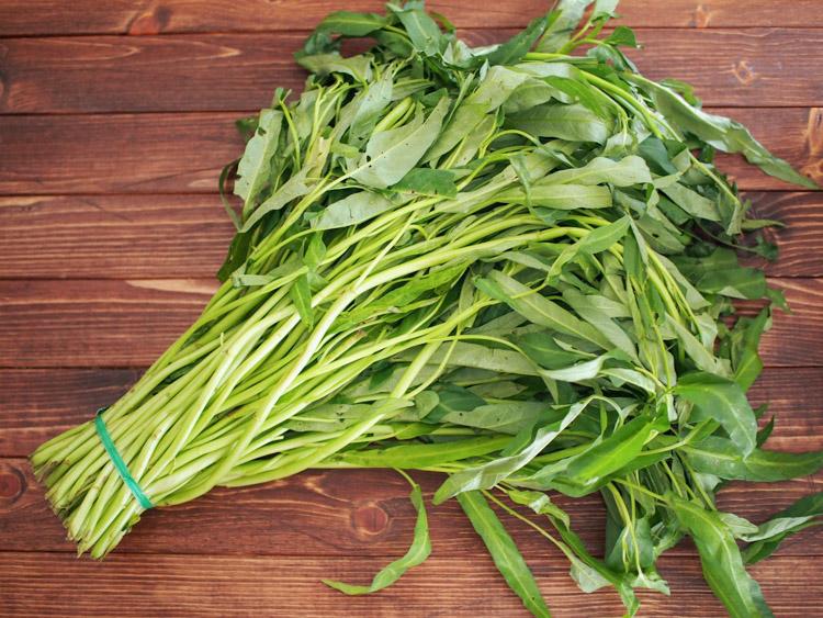 water-spinach-bunch.jpg