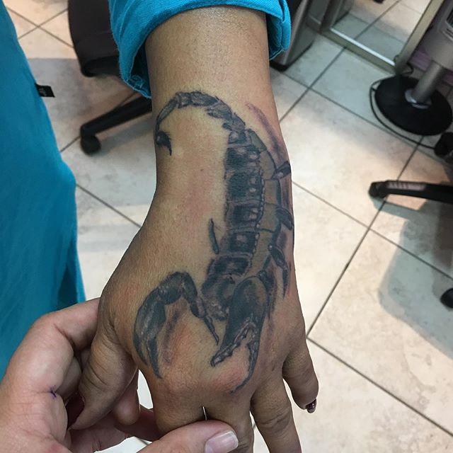 Erika Fritts K Town Tattoo  8083159922 Kailua Kona Hawaii #hawaii #scorpiontattoo #neotatmachines