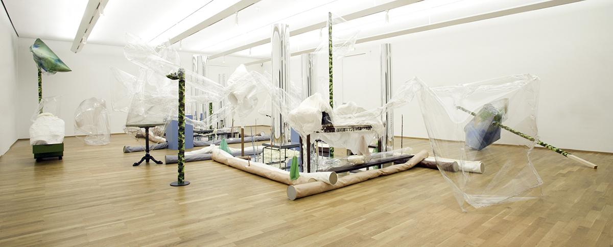 Mikala Dwyer | Face Up (Contemporary Art from Australia), 2003, Nationalgalerie, Hamburger Bahnhoff, Berlin