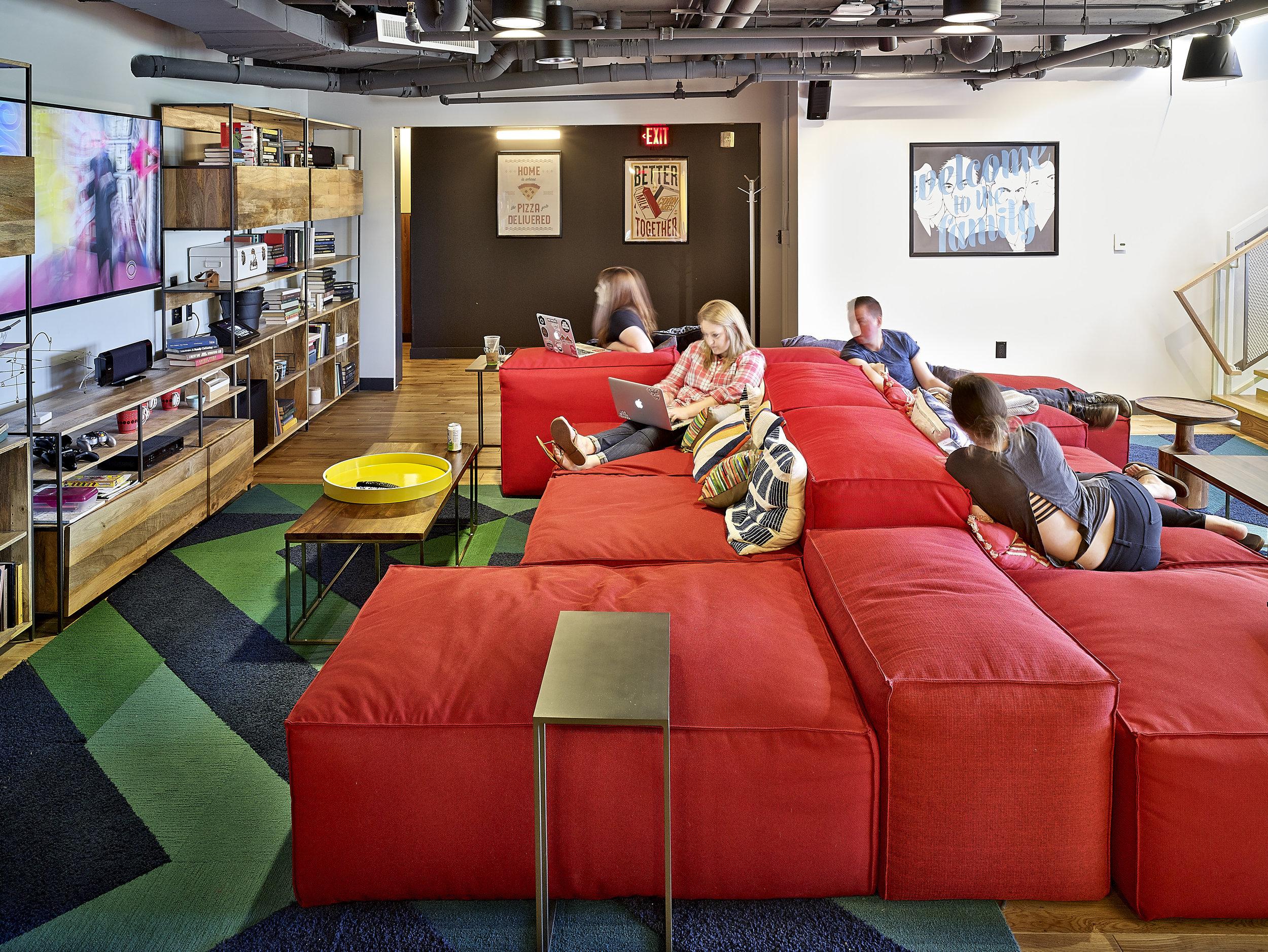 Interior - 9th Floor Lounge - 1.jpg